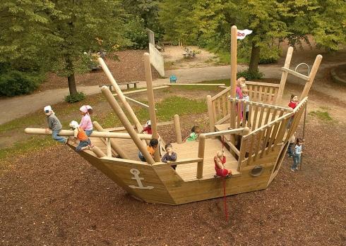 Play Ship Nina
